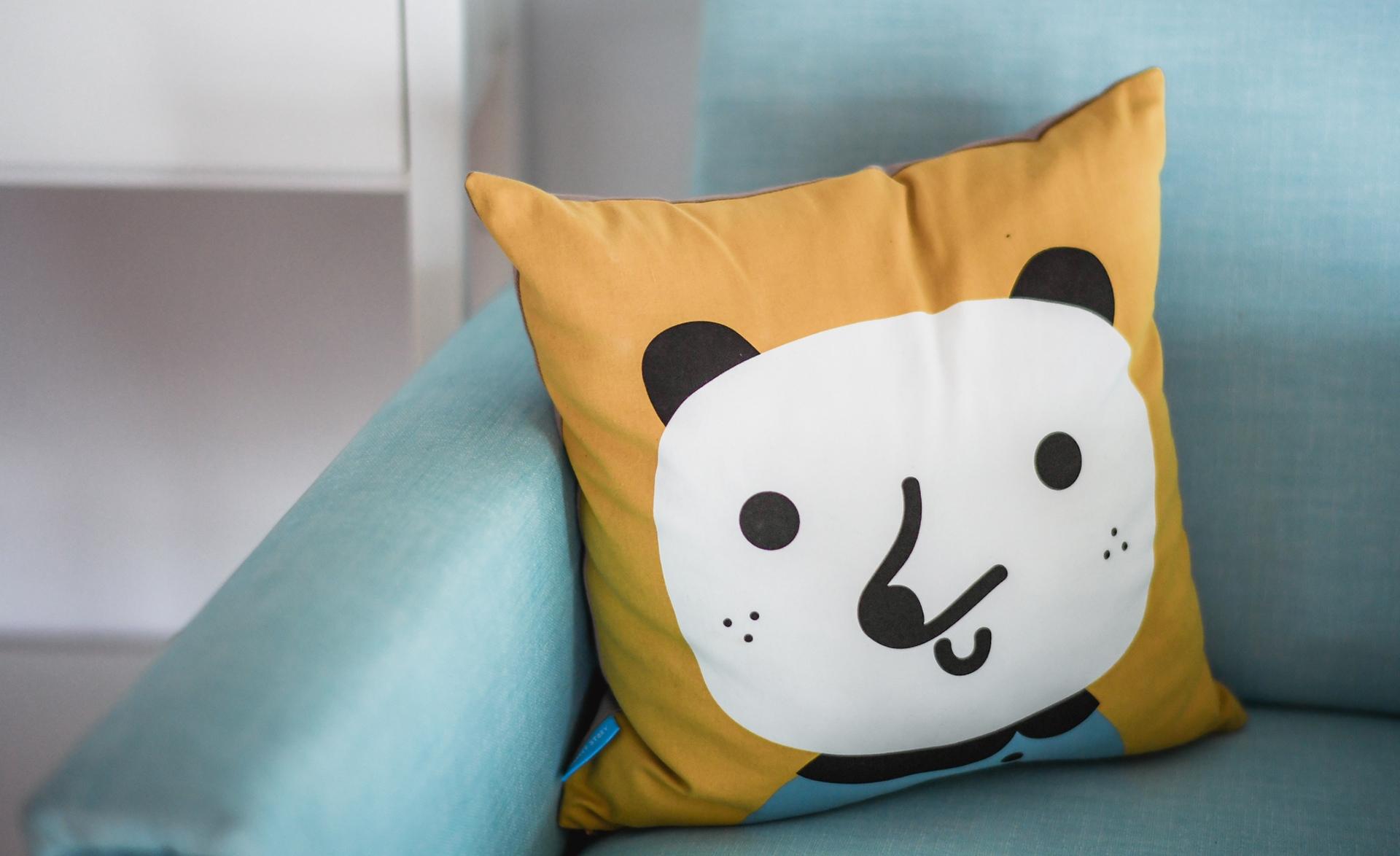 Creazione sito web per mobilifici cuscino con panda